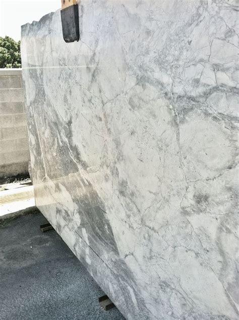 Super White Granite Countertop Ideas for your Kitchen