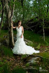 Erica39s high fashion bridal photos in the carolina for Outdoor wedding photography poses