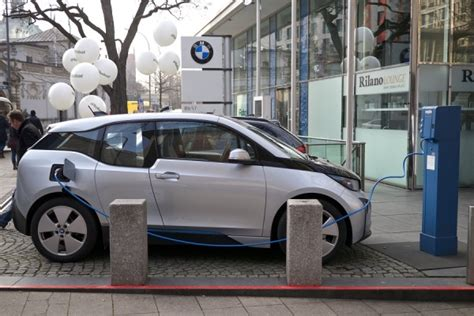 100 Percent Electric Cars by Netherlands India Commit To 100 Electric Vehicles In
