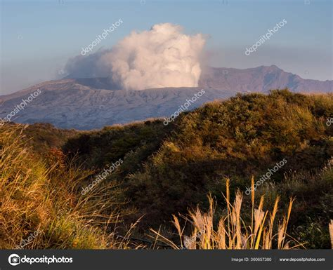 Jun 18, 2021 · pusat gempa berada di kedalaman 12 kilometer. Gempa Bumi Vulkanik : Gempa Bumi Pt Hesa Laras Cemerlang ...