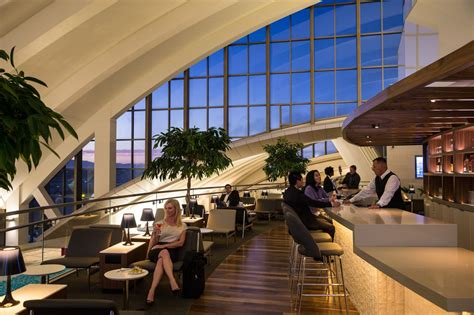 The Star Alliance Lounge Los Angeles: An Inside Look