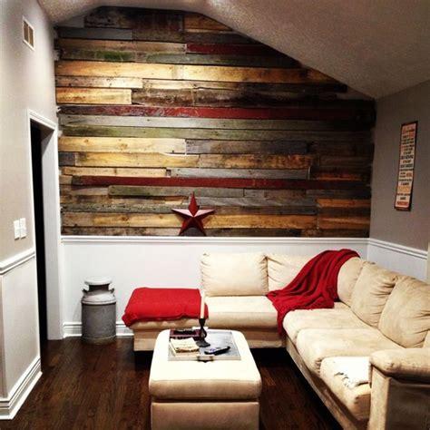canapé en palettes mur en bois de palette pour salon 20 ères de l