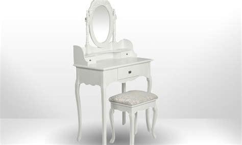 siege pour coiffeuse coiffeuse blanche style baroque en bois avec siège et