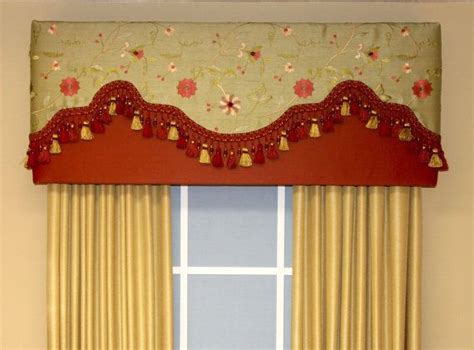Simple Cornice by Simple Cornice W Fancy Curtains The Top For Pizazz