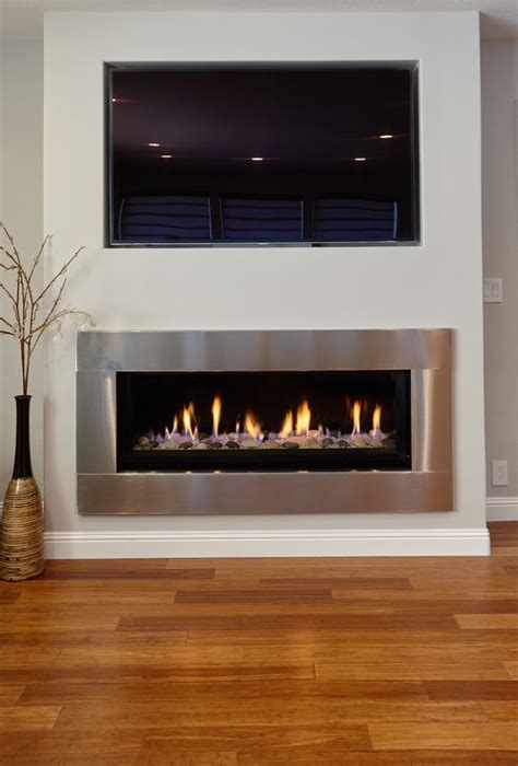 tv  mantle spaces contemporary  gas fireplaces