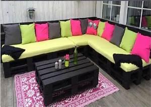 Salon De Jardin Palettes : une terrasse en bois recycl pour un magnifique salon ~ Farleysfitness.com Idées de Décoration