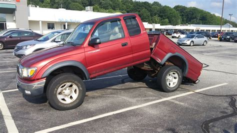 tacoma frame toyota rust fender rusted truck frames bent parking colorado undercarriage flares remove repair replace road trd salt trucks