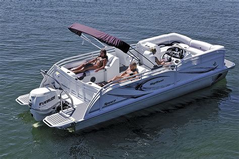 Tritoon Boat Companies by Who S Who A Complete Listing Of The Top Builders