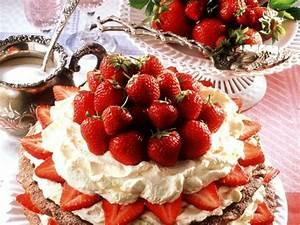 Torte Mit Erdbeeren : nuss baiser torte mit erdbeeren rezept eat smarter ~ Lizthompson.info Haus und Dekorationen