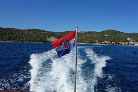 Catamaran Zadar Sali by F 228 Hre Zadar Dugi Otok Per Katamaran Nach Sali Kroatien
