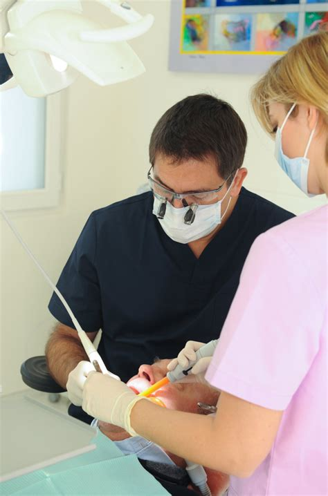 the dental practice of dr richard garrel in avignon vaucluse which specializes in dental
