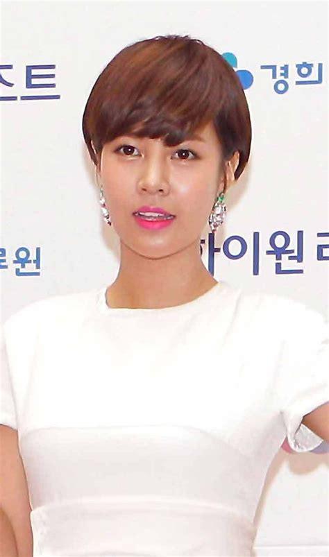 Coloring Rambut Wanita by Contoh Model Rambut Pendek Dengan Poni Ala Korea Terbaru