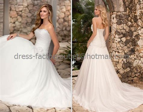 A-line Strapless Bridal Wedding Gown White Ivory Organza