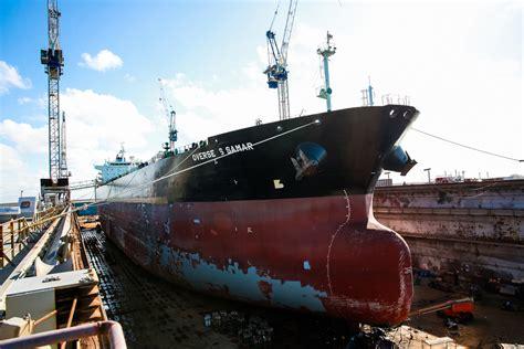 ships uk  overseas samar grand bahama shipyard