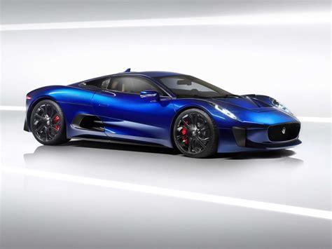 'spectre' James Bond Aston Martin Db10 Versus