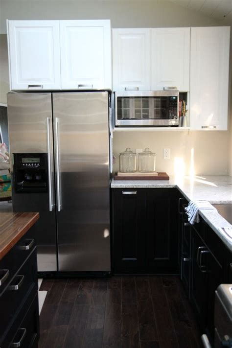 loving  kitchen combo white uppers black lowers