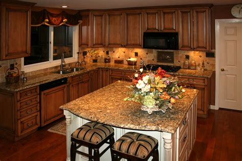 Maple Kitchen Ideas by Open Layout Idea Maple Kitchen Cabinets With Burnt Sugar