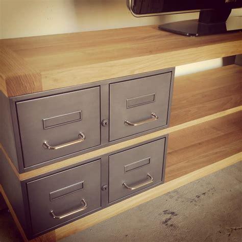 meuble tele sur mesure industriel meuble tv m 233 tal et bois tiroirs