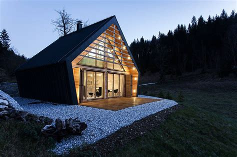 Wooden Houses : Modern Wooden House In Slovenia By Studio Pikaplus
