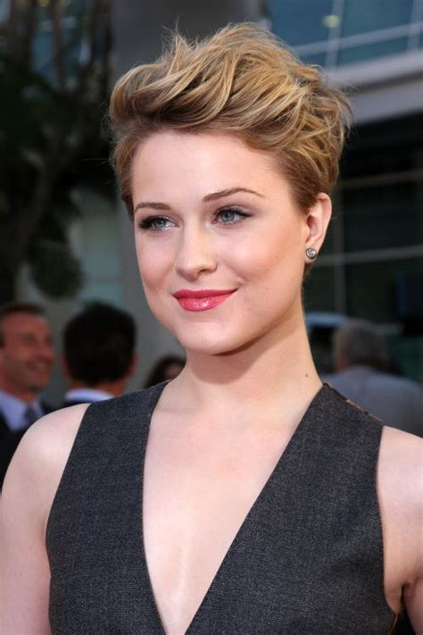 40 super cute looks with short hairstyles for round faces pixie hairstyles pixies and rounding