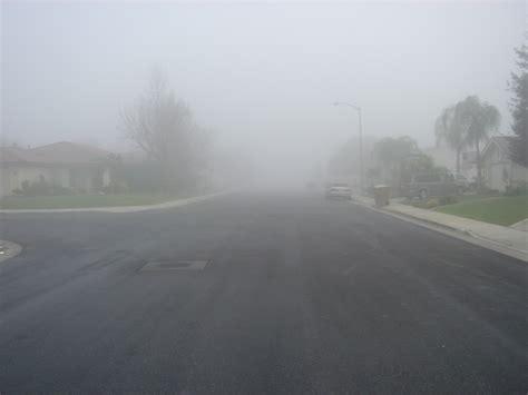 File:Tule fog (Bakersfield, California - 13 January 2006 ...