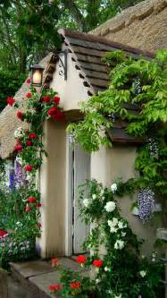cottage country show flower garden via englishcottages