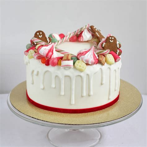 sweet wreath christmas cake