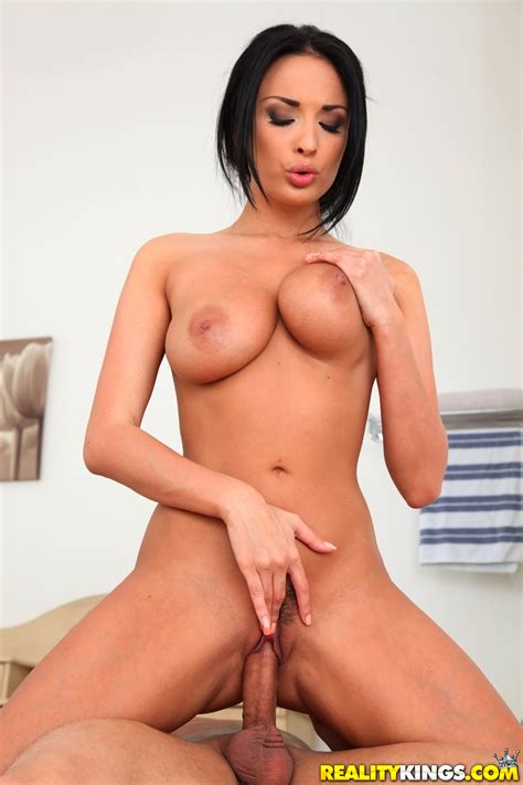 hot brunette likes cum on her face photos anissa kate
