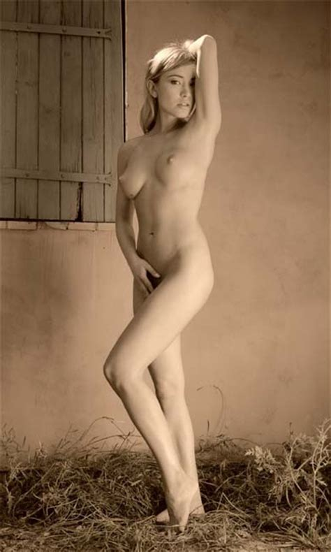 Red-Blooded Thing: Posts Tagged 'Artistic Nude'
