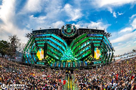 5 Essential Items To Bring To Ultra Music Festival 2017