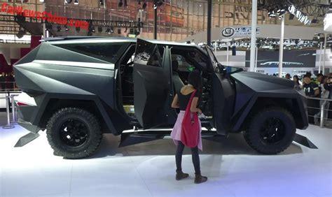 bag with wheels karlmann king mega suv debuts on the beijing auto