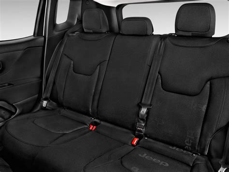 2016 Jeep Renegade Fwd 4-door Sport Rear Seats