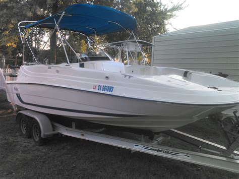 Deck Boat Yamaha by Cleanest 226 Cobia Coastal Deck Around 12900 200hp Yamaha