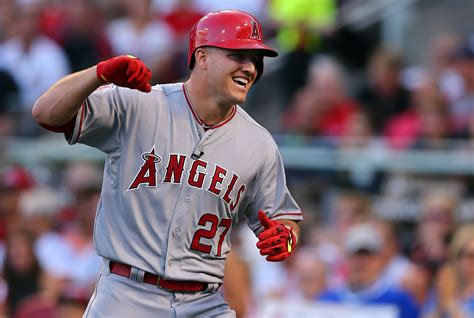 mike trout propose   girlfriend