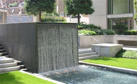 cascade fontaine de jardin et pi 232 ce d eau projets modernes