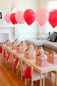 Kindergeburtstag 2 Jährige Deko : rosa und rote ballons tischdekoration f r einen kindergeburtstag party deko kinder birthday ~ Frokenaadalensverden.com Haus und Dekorationen