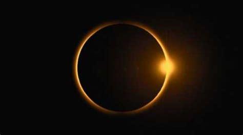 Terjadinya gerhana matahari dan bulan diakibatkan karena pergeseran letak antara bumi, bulan dan matahari. Indonesia Bakal Kebagian Gerhana Matahari Cincin, Kapan?