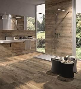 Carrelage design en ceramique effet bois salle de bain for Salle de bain design avec ensemble salle de bain bois