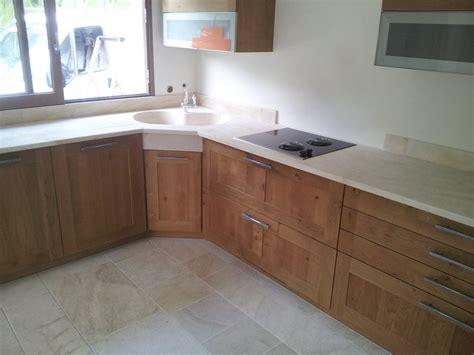 cuisine avec plaque de cuisson en angle simple cuisine avec plans et plinthes with cuisine avec