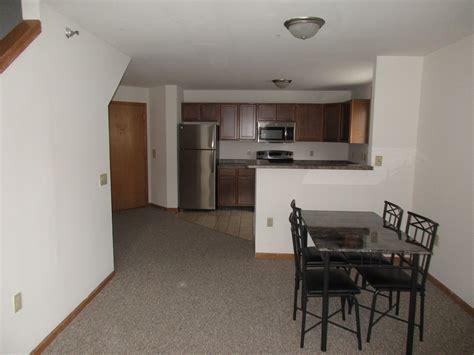 1309 1311 W Dayton Street 3 Br 1 Ba Apartments For Rent