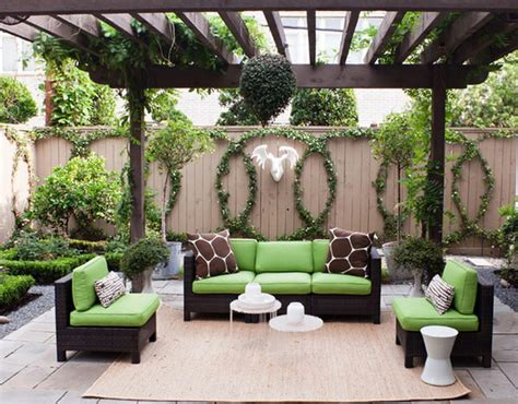 modern patio design  grape arbor