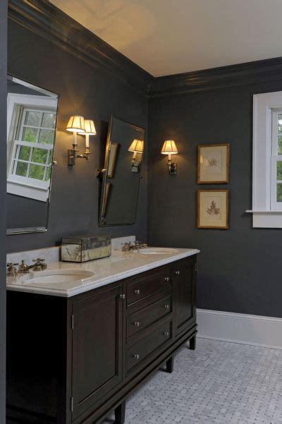 brown double vanity traditional bathroom  banks