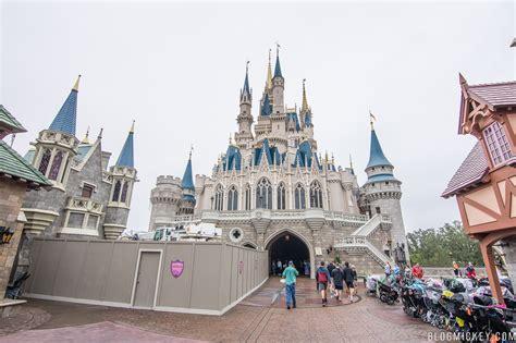 Photos Crane Returns To Cinderella Castle To Remove