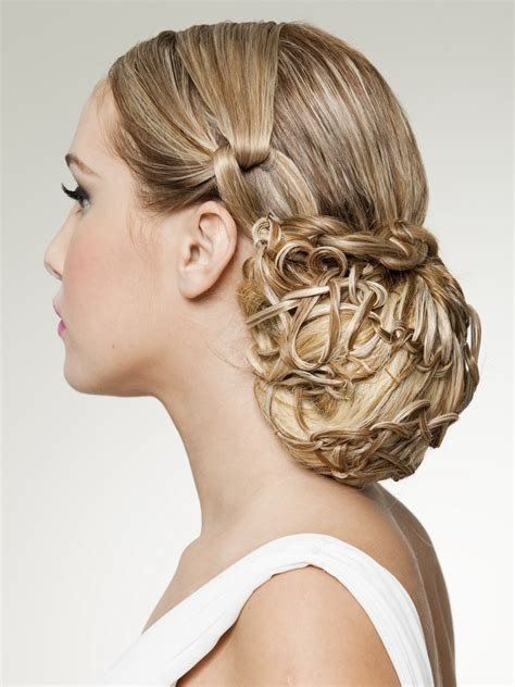 hair  style inspired   classic snood