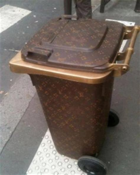 Lv Garbage Bin  A New House