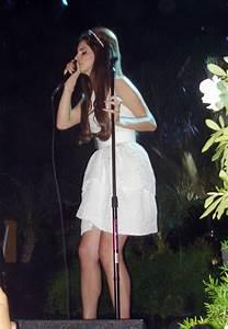 Lana Del Rey Photos Photos - Lana Del Rey Live in Concert ...