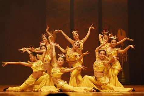 Música y danzas de China - Revista cultural del grupo
