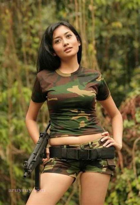 Indonesian Girls In Camouflage ~ Aruysuy