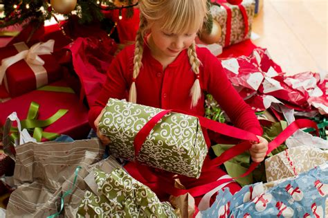 6 best images of opening christmas presents family