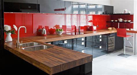 soluciones de vidrio  la pared frontal de la cocina